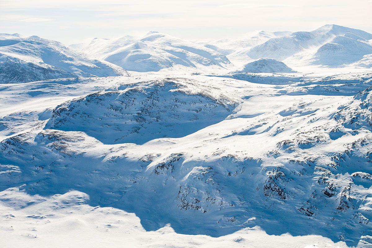 Ruotsin Lappi hurmaa unohtumattomilla elämyksillä – hiihtää voi vielä juhannuksenakin!