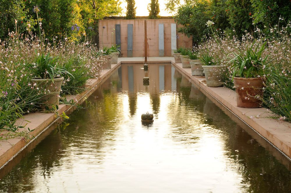 Arnaud Maurieres Et Eric Ossart Le Jardin De La Noria Saint Quentin La Poterie Water Features In The Garden Water Features Water Garden