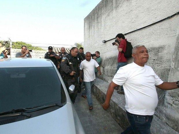 NOTÍCIAS BELEZA E NEGÓCIOS: Batalhão de PMs que arrastaram Claudia Silva soma ...