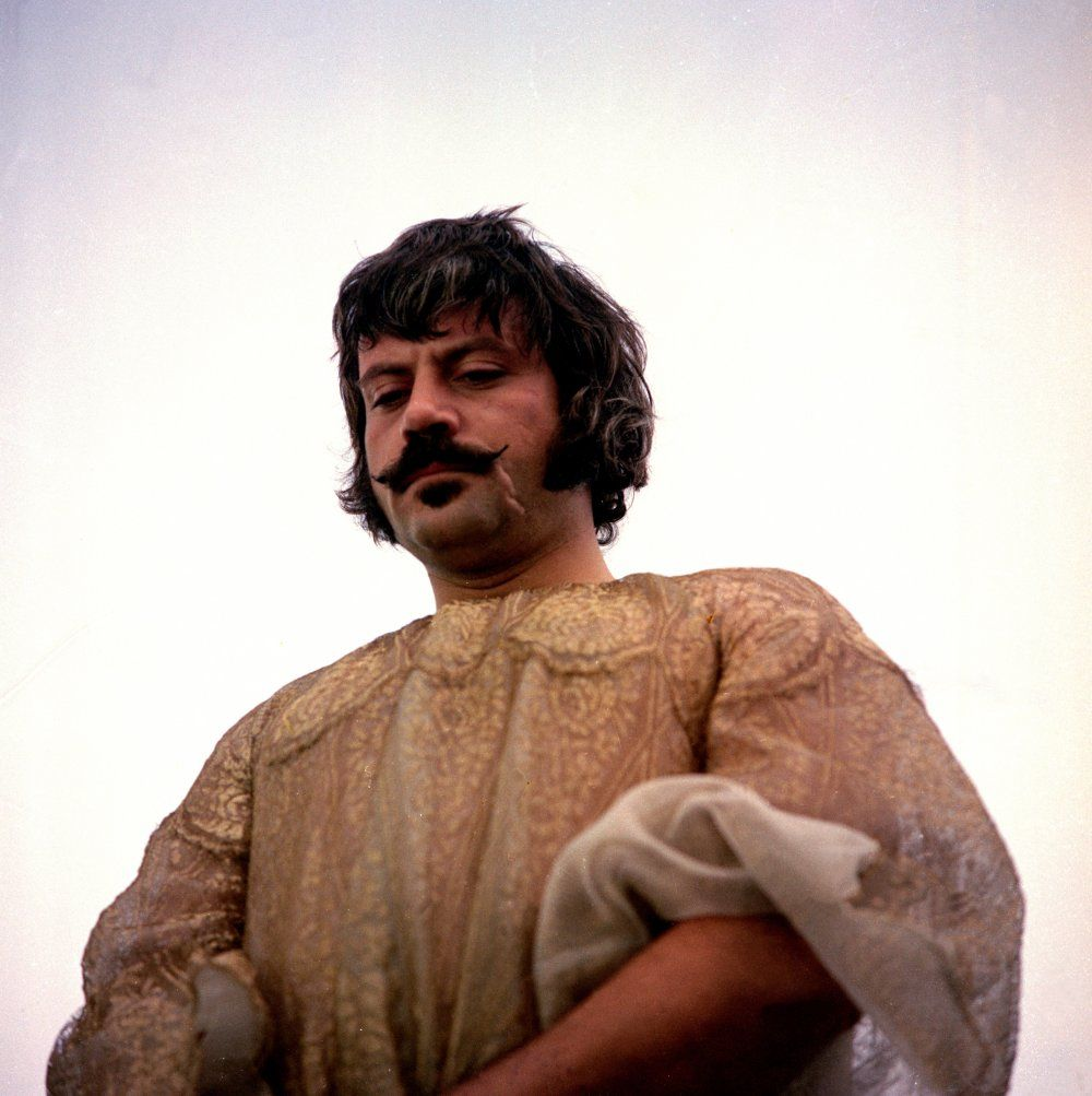 Oliver Reed: 10 essential films in 2019 | Entertainment ...