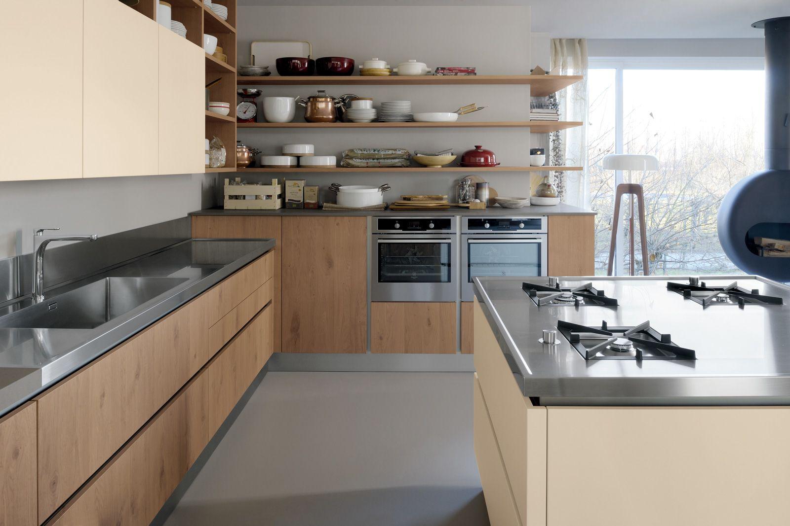 Oyster di veneta cucine ha le ante piane in rovere vecchio e panna laccato opaco senza maniglie - Veneta cucine catania ...