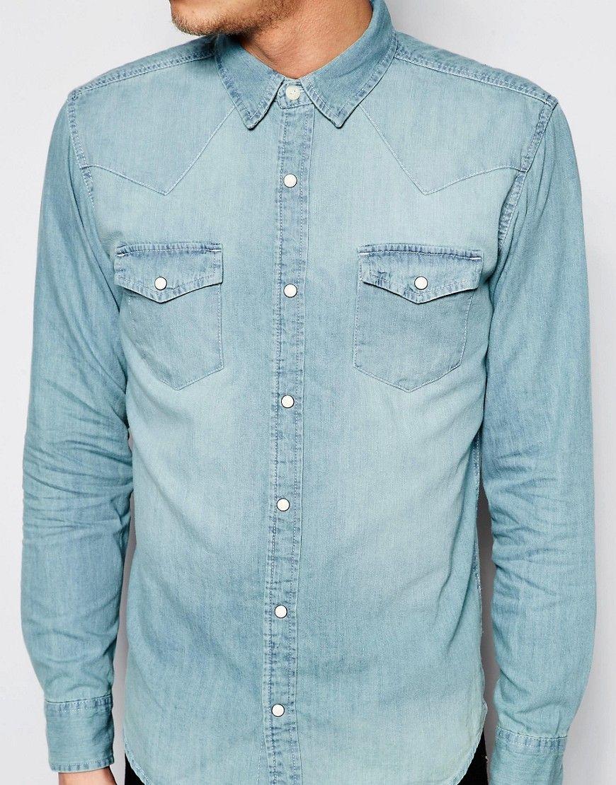 ed4cae63c1 Imagen 3 de Camisa vaquera de corte estándar con diseño estilo western en  azul claro de Pull Bear