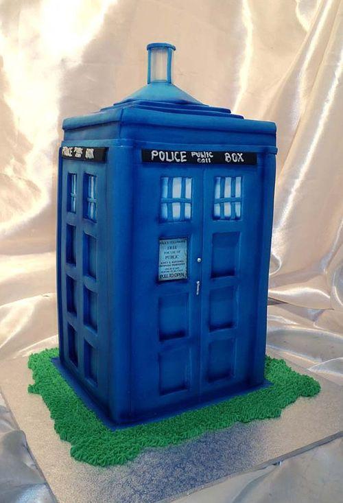 Tardis police box unusual cake design cool