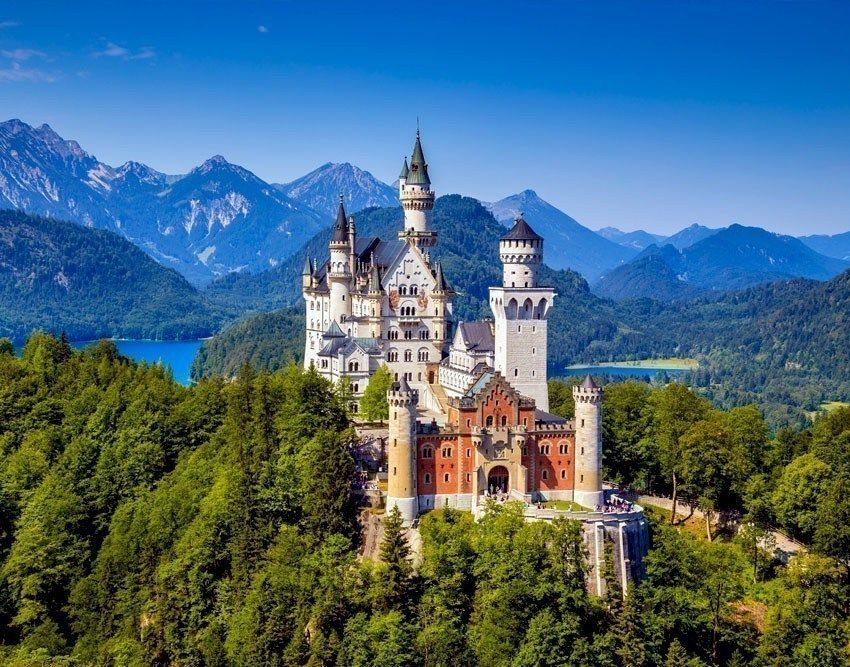 Reclusive King Ludwig S Personal Refuge Schloss Neuschwanstein Or Neuschwanstein Castle Is A Romant Germany Castles Germany Travel Guide Neuschwanstein Castle