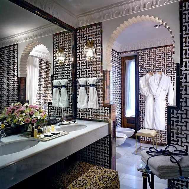 #abudhabi #alain #ajman #rak #dxb #dubai #oman #ksa #makeup #decor #decoration #interior #idea #home #style #stylish #luxury #gold #colors #curtains #furniture #classic #modern #contemporary #french #villa #palace #qatar #kuwait #uae