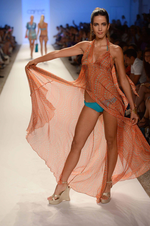 teen-see-through-fashion-show