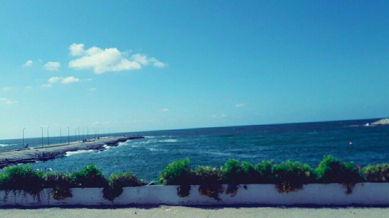 لما كان البحر ازرق Outdoor Photo Water