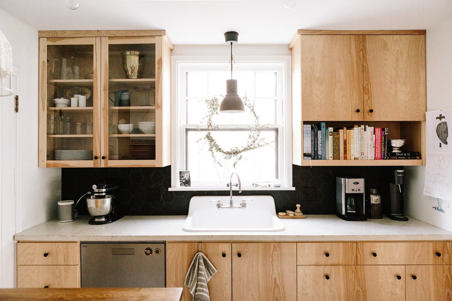 The Best Inexpensive Kitchen Cabinets Designers Swear By In 2020 Inexpensive Kitchen Cabinets Kitchen Cabinets Kitchen Design Best inexpensive kitchen cabinets