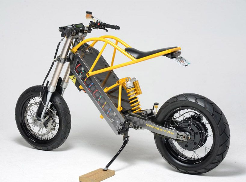 Exodyne Electric Motorcycle Fuses Battery Power With Home Made
