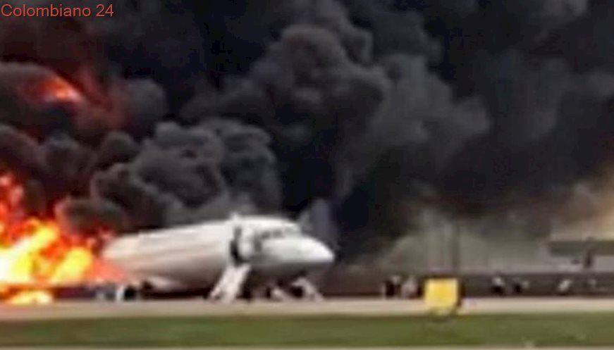 Photo of Al menos 13 muertos al incendiarse un avión en un aeropuerto de Moscú