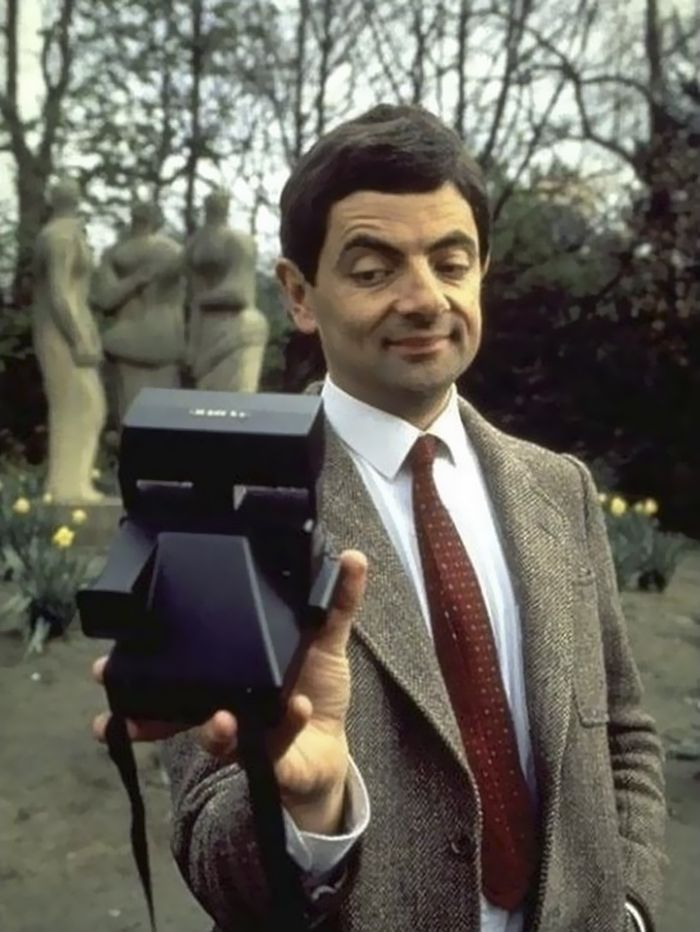 Amazing Celebrity Selfies Before The Smartphone Invented - 12 hilarious photos of people who thought they were taking a selfie with a celebrity