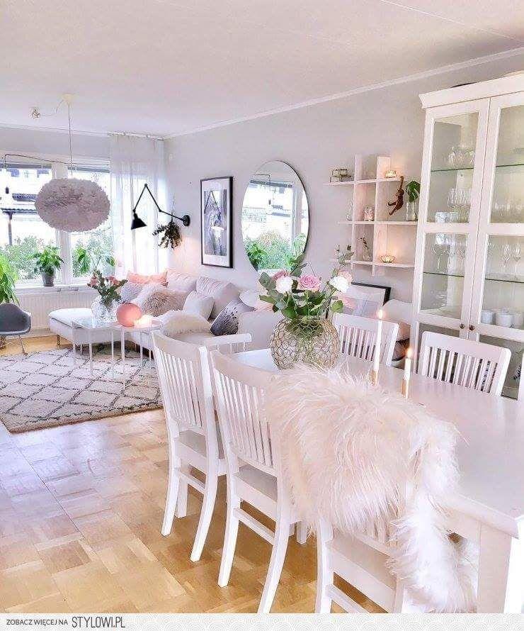 Salon I Jadalnia Biel Szarosc Pudrowy Roz Owcza Skora Styl Glamour Romantyczny Home Decor Decor Home