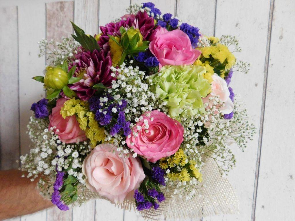 Bukiety Okolicznosciowe Lodz Bukiety Okolicznosciowe Lodz Baluty Dekoracja Kosciola Lodz Dekoracje Slubne Lodz Dekoracje We Floral Wreath Floral Wreaths