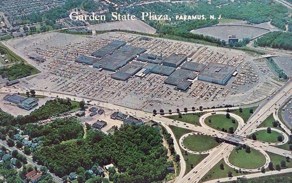 Garden State Plaza 1960 Garden state plaza, Vintage
