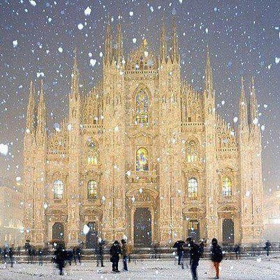 I am SO homesick for Italia!  Isn't the Duomo Cathedral in Milano beautiful?