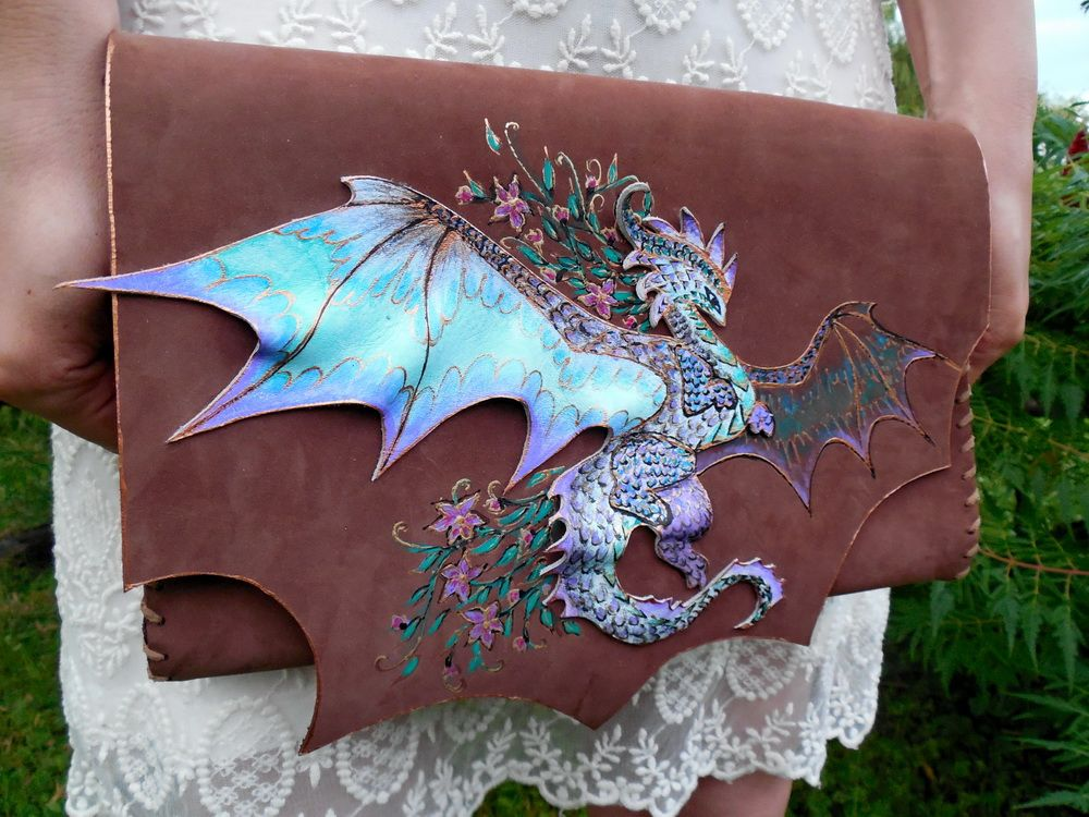 Dragons have always been cool, but thanks to Game of Thrones they're even cooler than ever these days. But if there's one thing cooler than dragons, it's these awesome dragon-themed gifts.
