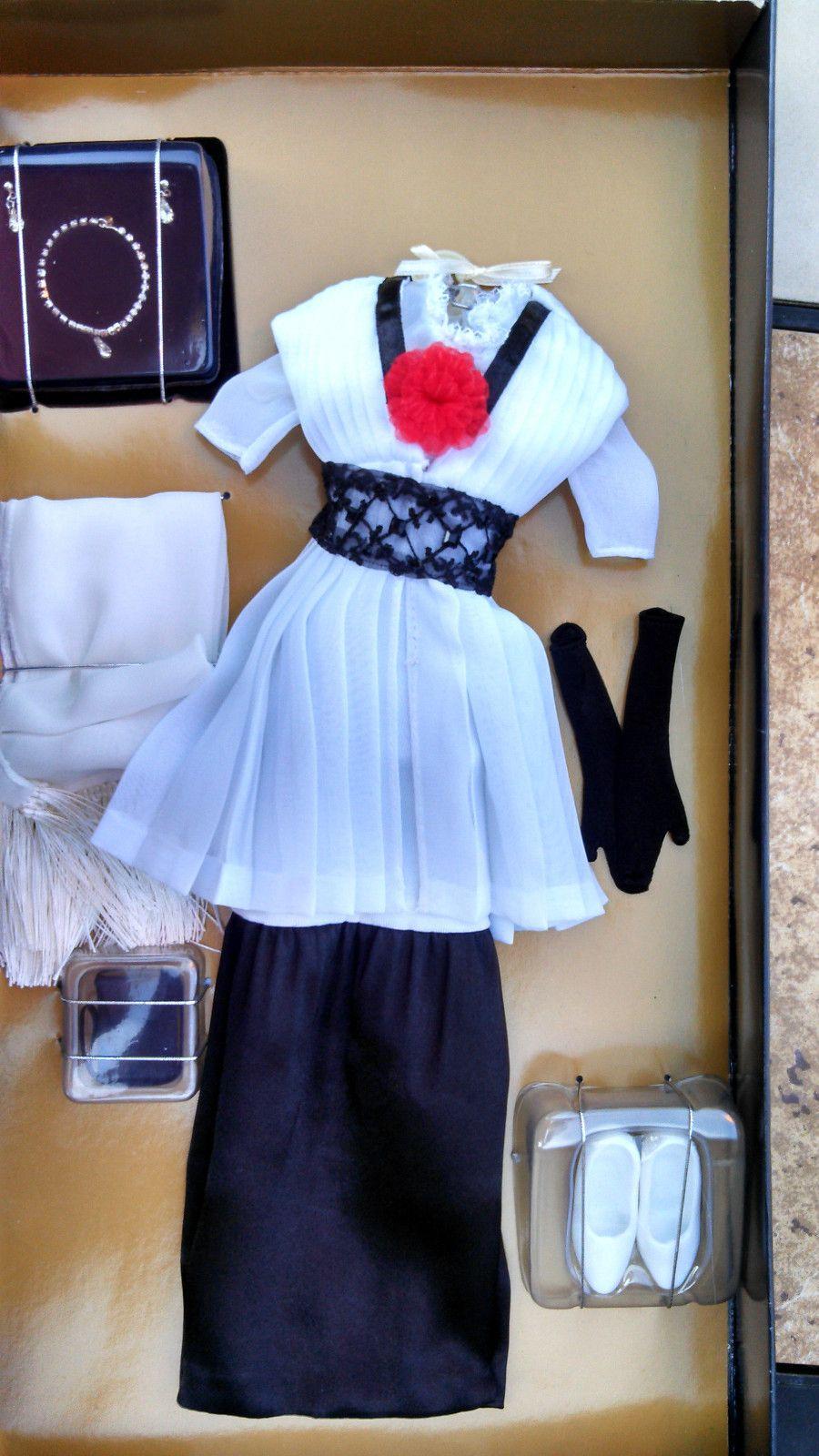 Franklin Mint Rose's Elevator Dress