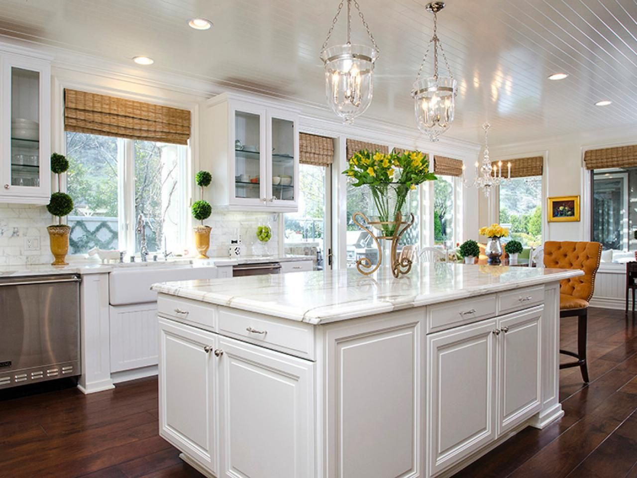 DIY Kitchen Window Treatments Pictures & Ideas From HGTV ...