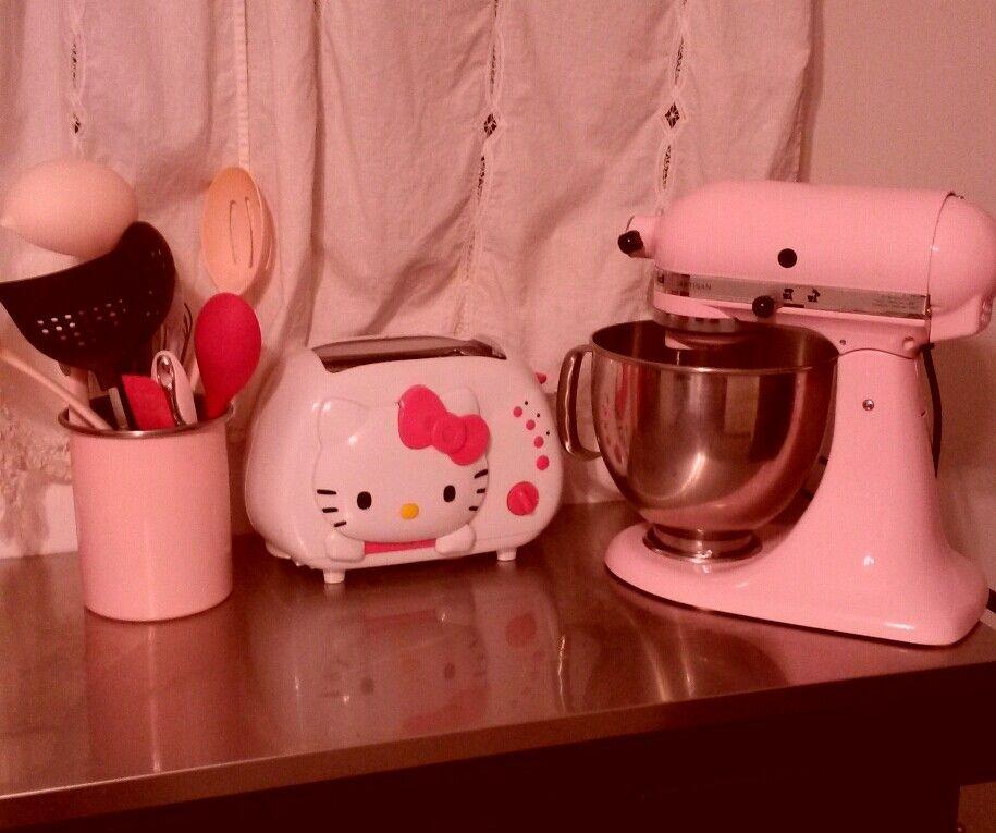 #pinkkitchen#hellokittytoast#pinkkitchenaid# Pinkprincess#( =