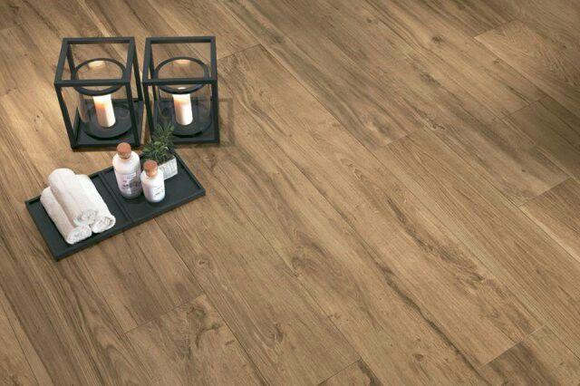 Pavimento in gres porcellanato effetto legno Visita il sito internet ...