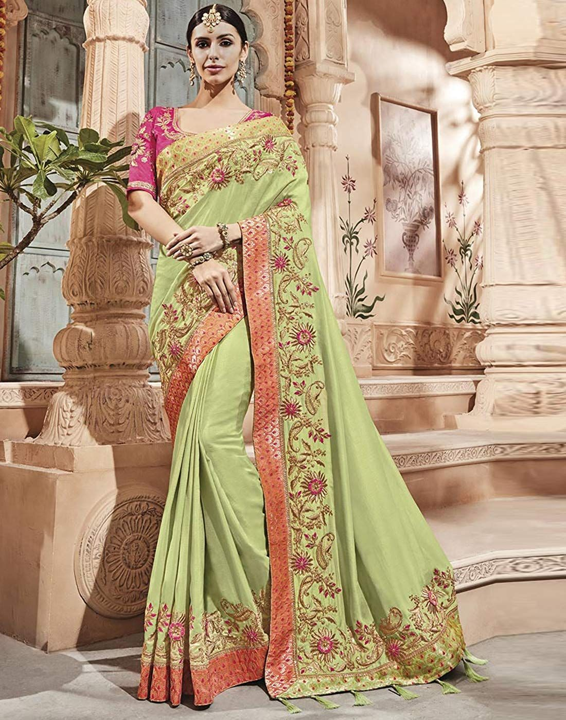 be15f235ef DesiButik's Party Wear Alluring Green Silk Saree: Amazon.in: Clothing &  Accessories