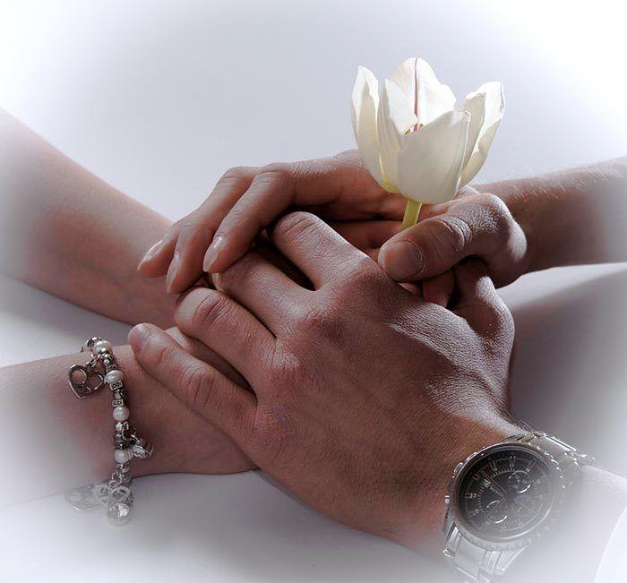 cuando te tiendan mas que una mano es es Amor!!