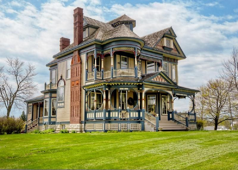 A Colorful Queen Anne Victorian For Sale In Iowa Victorian House Plans Old Victorian Homes Victorian Homes