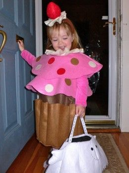 Costume Ideas For 7 Year Old Girls Cupcake Costume Halloween Costumes For Girls Halloween Costumes For Kids