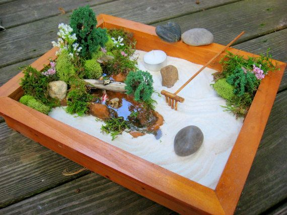 miniature japanese zen garden mini gardens pinterest gardens japan garden and miniature. Black Bedroom Furniture Sets. Home Design Ideas