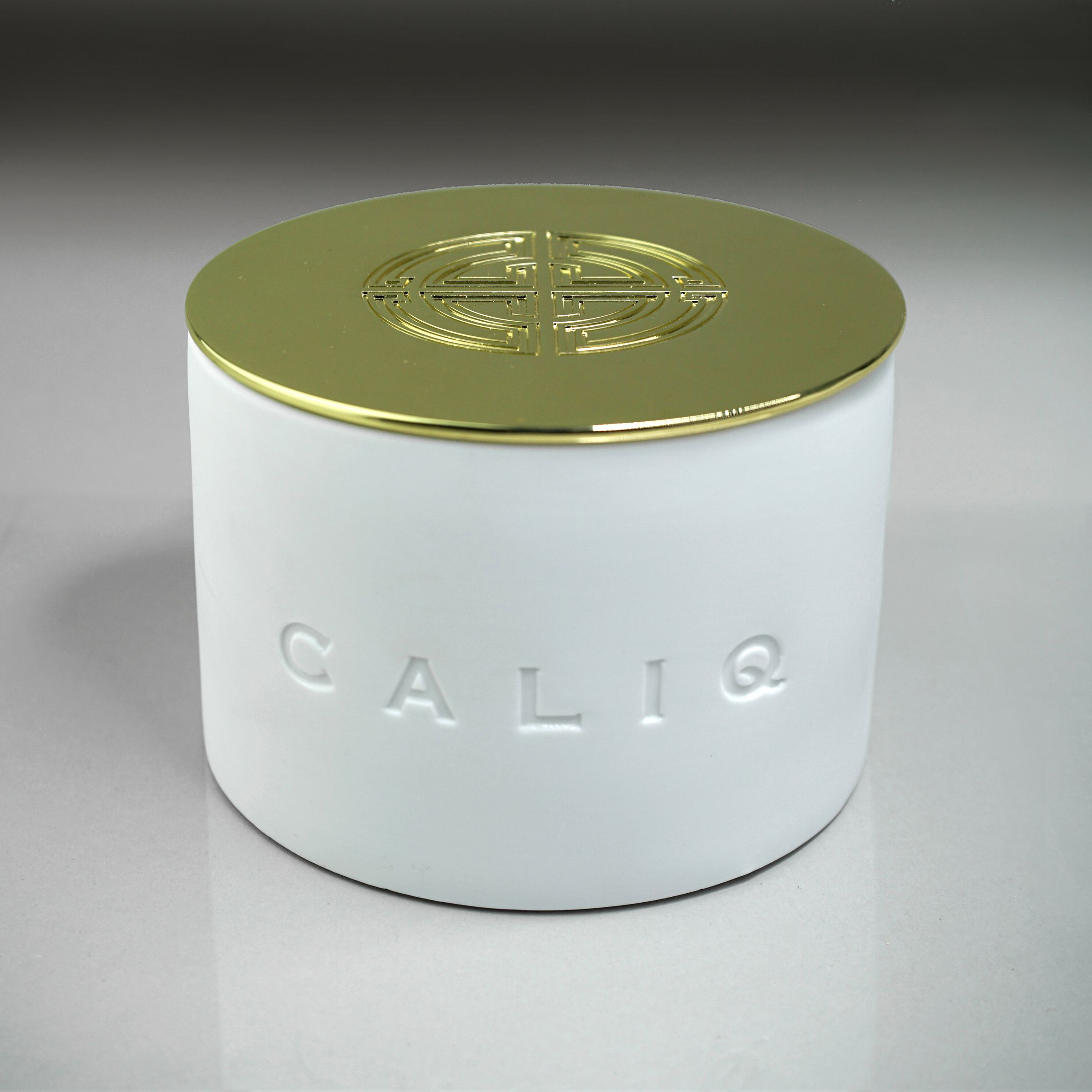 CALIQ Large 3 Wick Candle FUSION Collection. Weight 700 g
