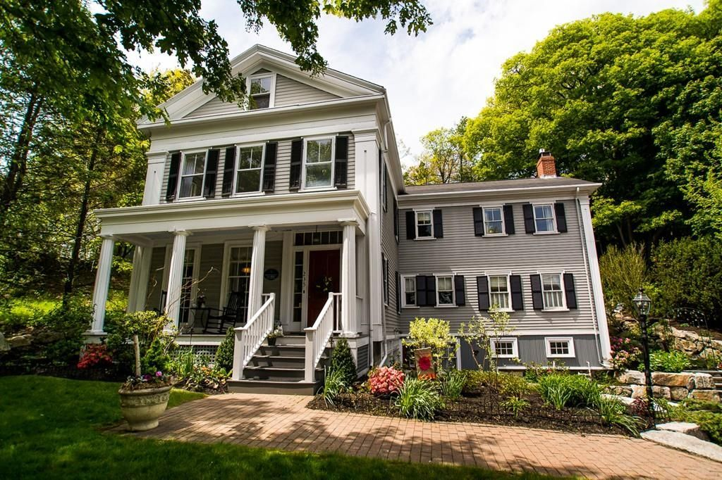 House Color Scheme Med Warm Gray Exterior White Trim Brown Roof Black Dark Brown Shutters Darker Gray Fou House Color Schemes Grey Exterior Brown Roofs
