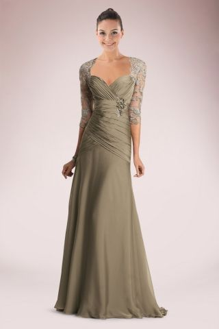 Noble Mother of the Bride Dress Holding Floral with Beaded Lace
