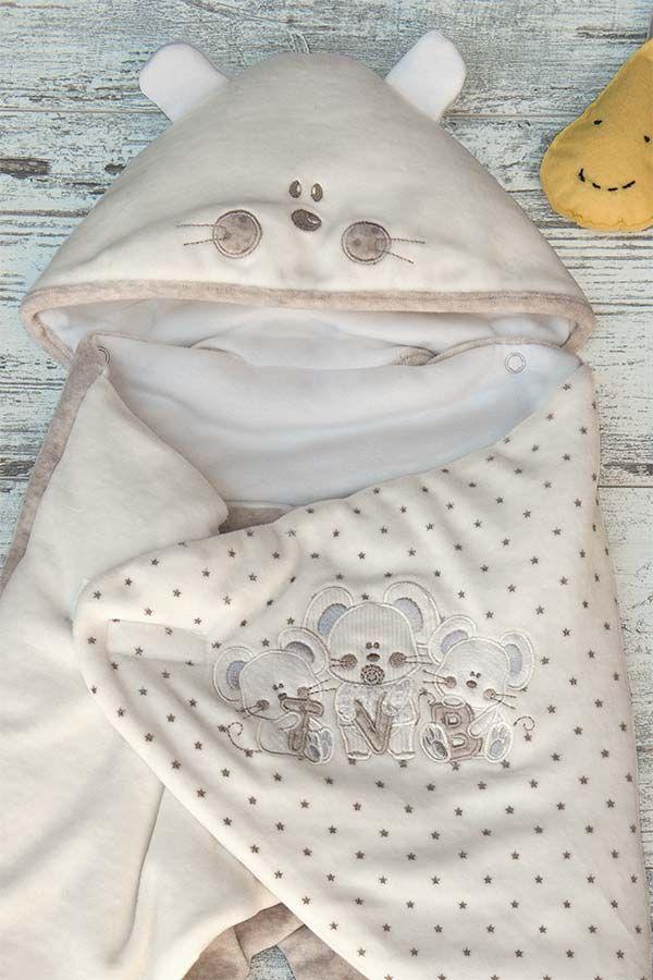 Il tema unisex della collezione gioca sui toni del panna e del beige con tocchi di grigio melange e il supporto di pois con ricami neutri. Tutine in ciniglia, sacco nascita, tenere muffoline e morbidi cappellini sono pensati per scaldare le fredde giornate e le notti d'inverno dei nostri piccoli cuccioli.   #iDOkidswear #kidswear #Newcollectionkids