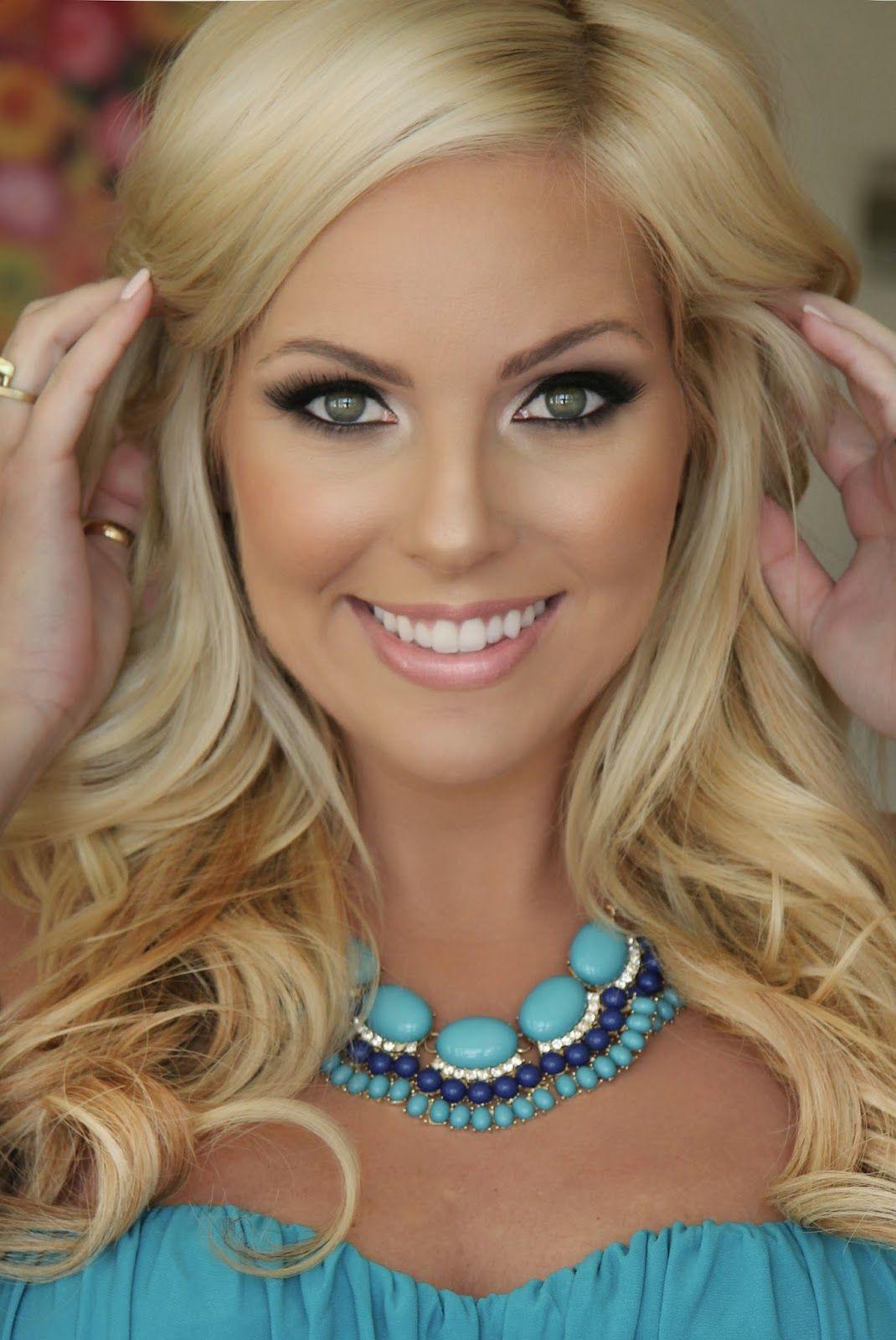 Gorgeous makeup- ronzer/Contour: Benefit Hoola applied to the ...