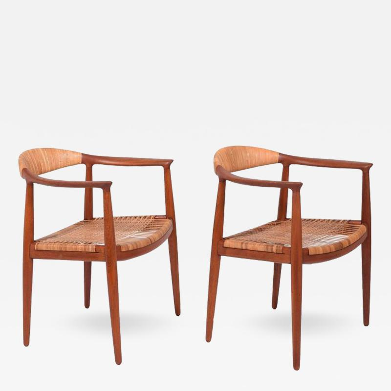 Hans Wegner Pair Of Classic Chairs By Hans Wegner For Johannes