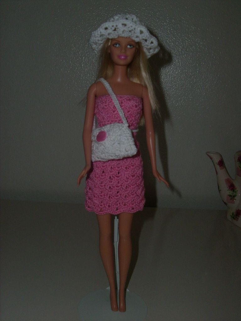 Crochet for barbie barbie doll clothes pinterest body types crochet for barbie the belly button body type pink shell skirt free pattern bankloansurffo Choice Image