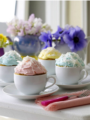Cupcakes in tea cups, cute & creative!