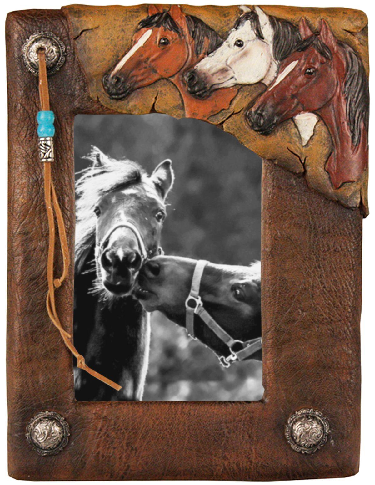Porta Retrato Aplique Porta retrato em resina endurecida c7592c6432f