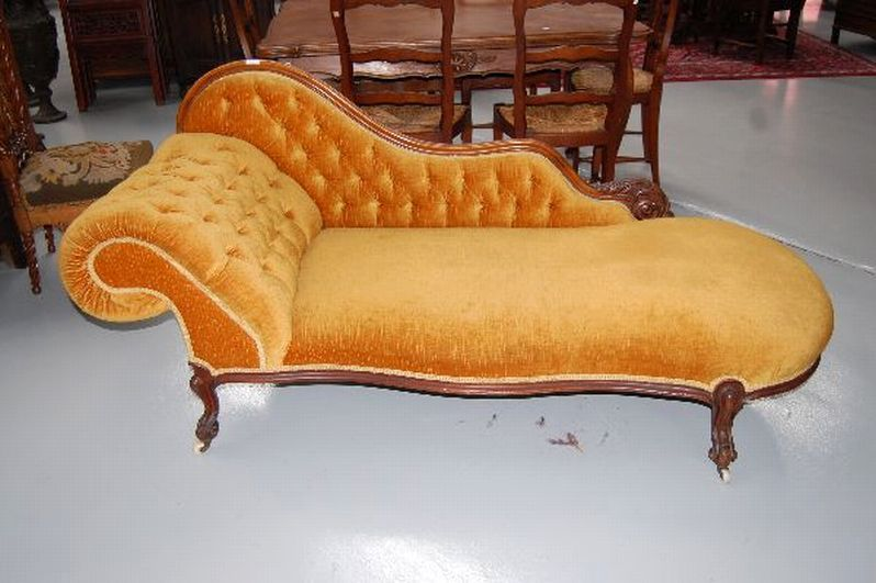 19thC: Antique Victorian chaise lounge - Antiques & Collectables - Vickers  & Hoad Auctioneers - - 19thC: Antique Victorian Chaise Lounge - Antiques & Collectables