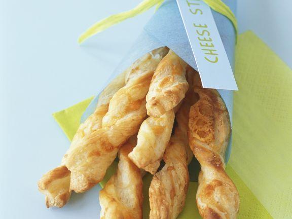 Käsestangen ist ein Rezept mit frischen Zutaten aus der Kategorie Gebäck. Probieren Sie dieses und weitere Rezepte von EAT SMARTER!