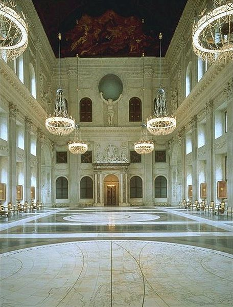 Paleis op de dam de burgerzaal is de grootste zaal van het paleis op de dam paleis op de dam - Versiering van de zaal van het tienermeisje van ...