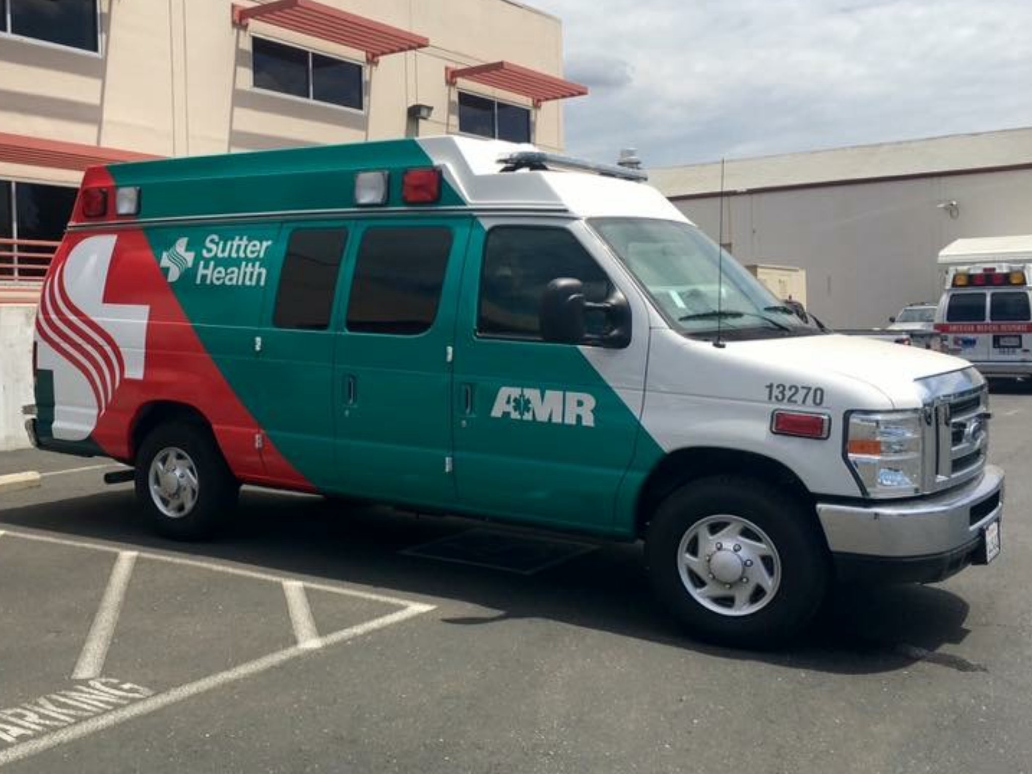 Amr Sutter Health Ford F 350 Econoline Sacramento Ca Ambulance Emergency Vehicles Ems Ambulance