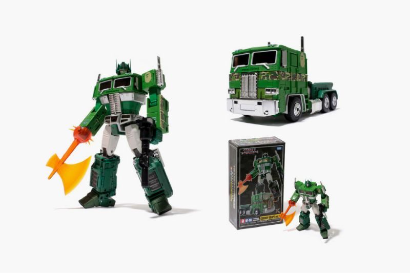 Yes the BAPE brand is definitely going to make this particular Optimus Prime freaking expensive, but boy does it look good