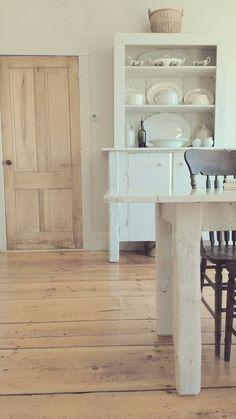 Lovely Wide Plank Pine Laminate Flooring
