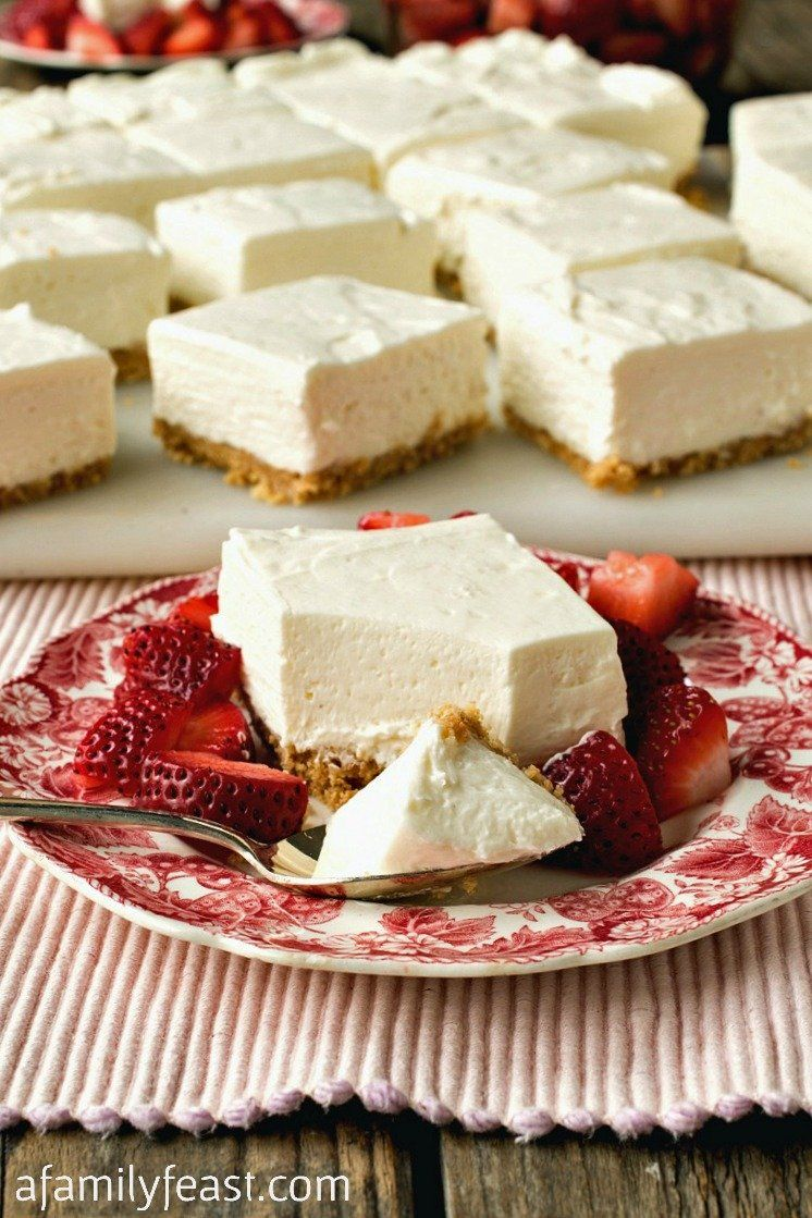 These No Bake Greek Yogurt Cheesecake Squares Are Creamy And Delicious With A Wonderful Tangy Sweet In 2020 Greek Yogurt Cheesecake Greek Yogurt Recipes Yogurt Recipes