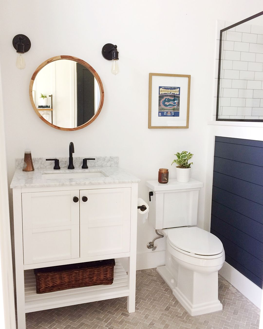 benjamin moore hale navy shiplap wall. modern farmhouse bathroom. #modernfarmhouse #