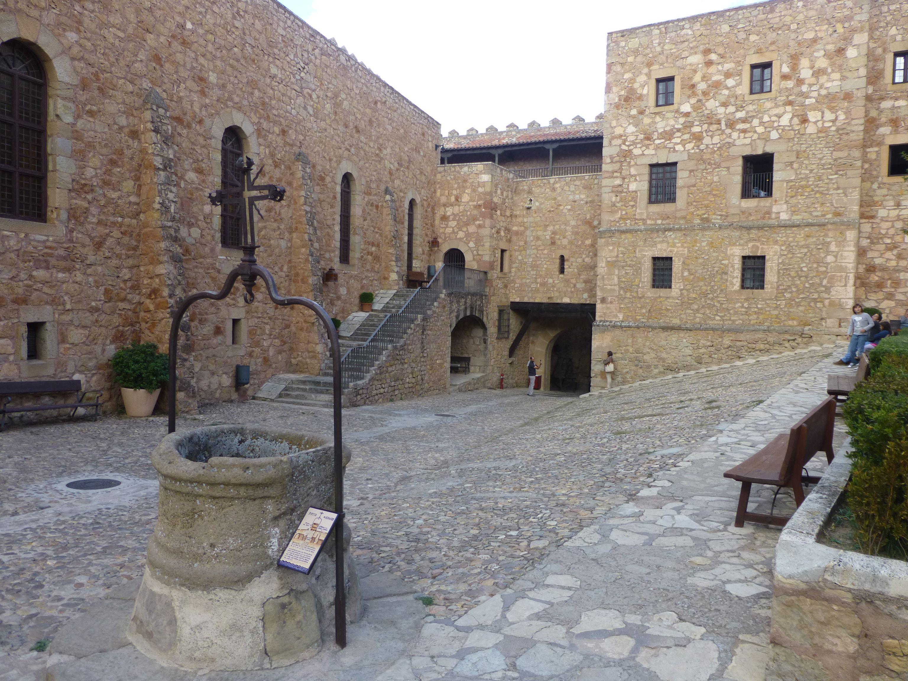 Qué Ver En El Mundo Castillo De Sigüenza Castillos Pueblos De España Ciudad Medieval