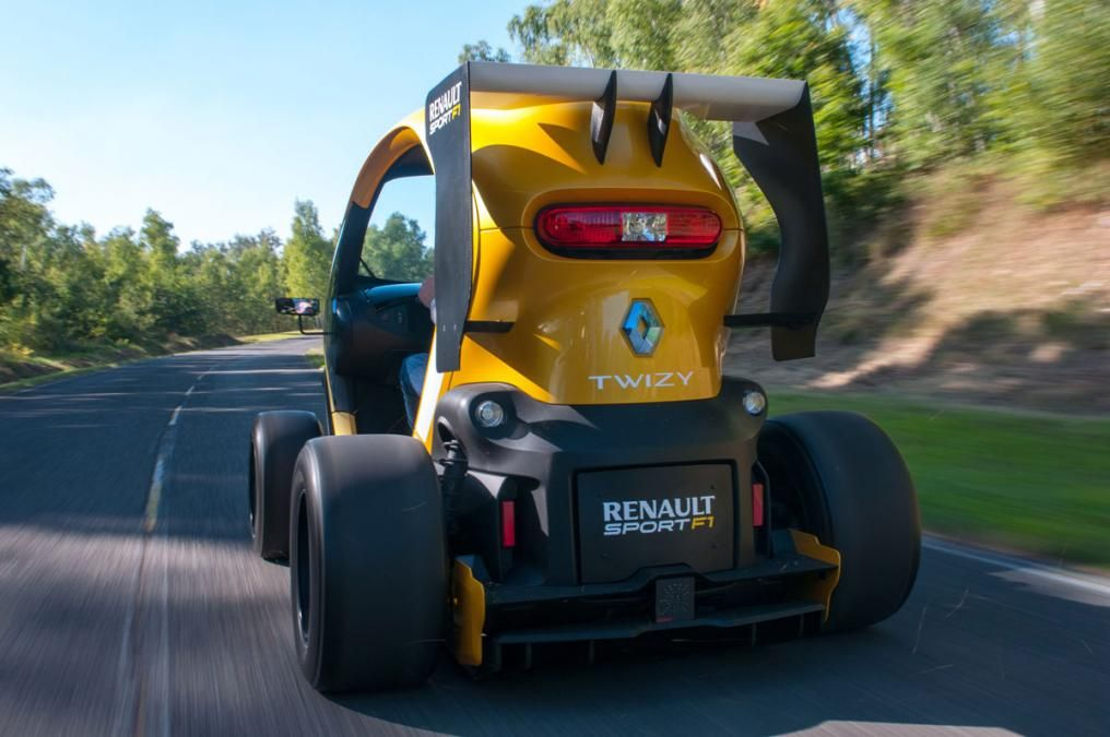 Renault Twizy F1 rear action 3