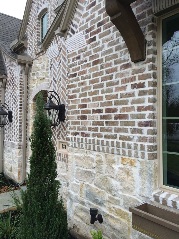 Brick Stucco Combo In 2019 Stone Exterior Houses