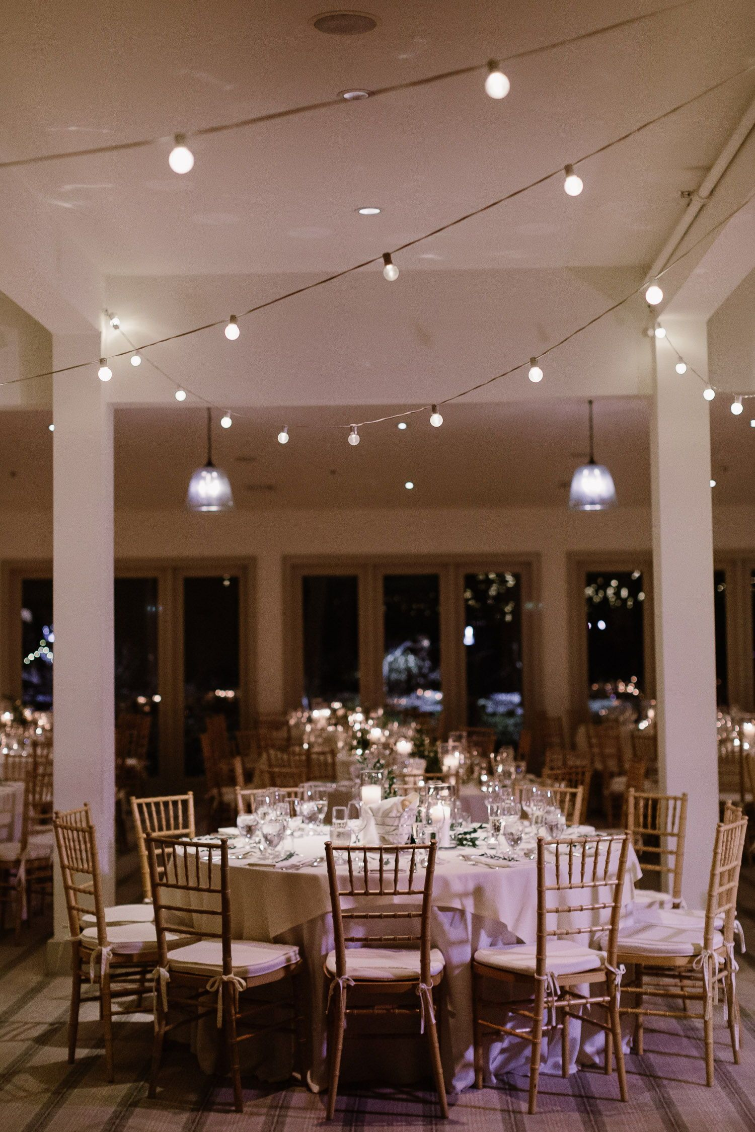 The Garrison Wedding Hudson Valley Wedding Monique Lhuillier Wedding Dress Winter Wedding In Hudson Valley Su